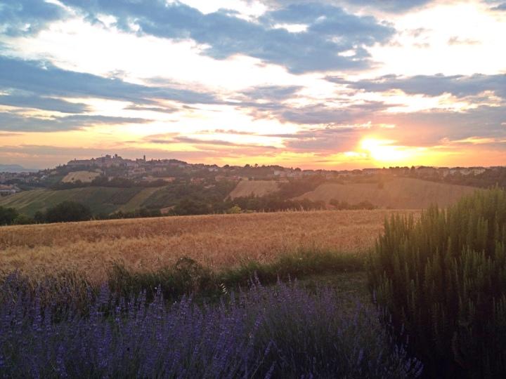 Filottrano, tramonto da Cà Vecchia
