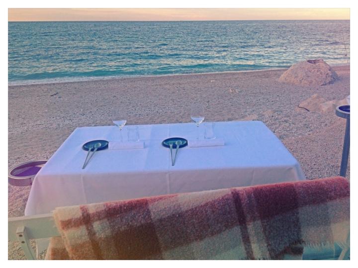 Il Clandestino, tavolo sul mare