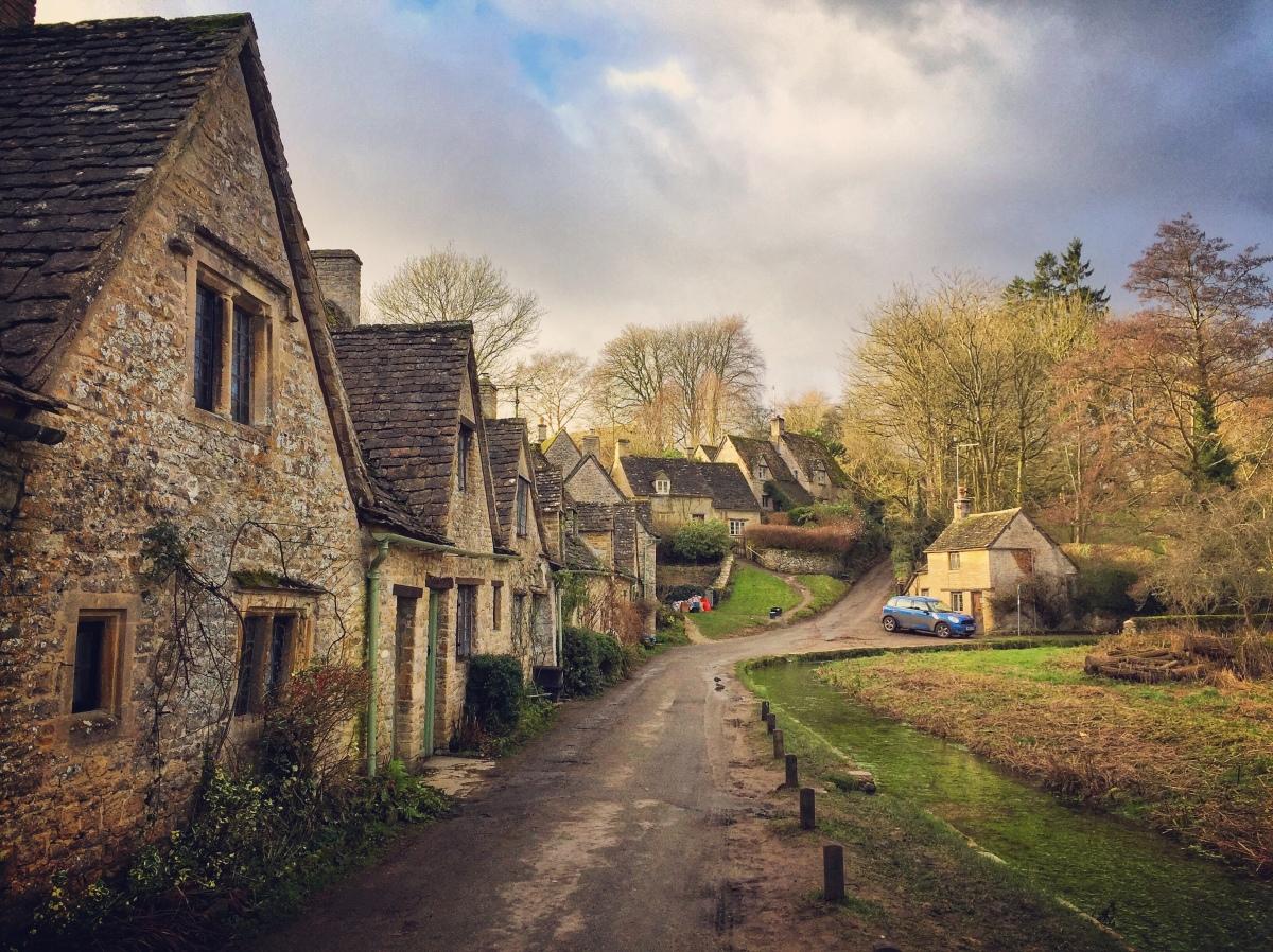 Le Cotswolds (ovvero: la brughiera inglese che ti aspetti, costellata da piccoli villaggi fatati, castelli e torri medievali, cottage dorati e un'atmosfera da fiaba)