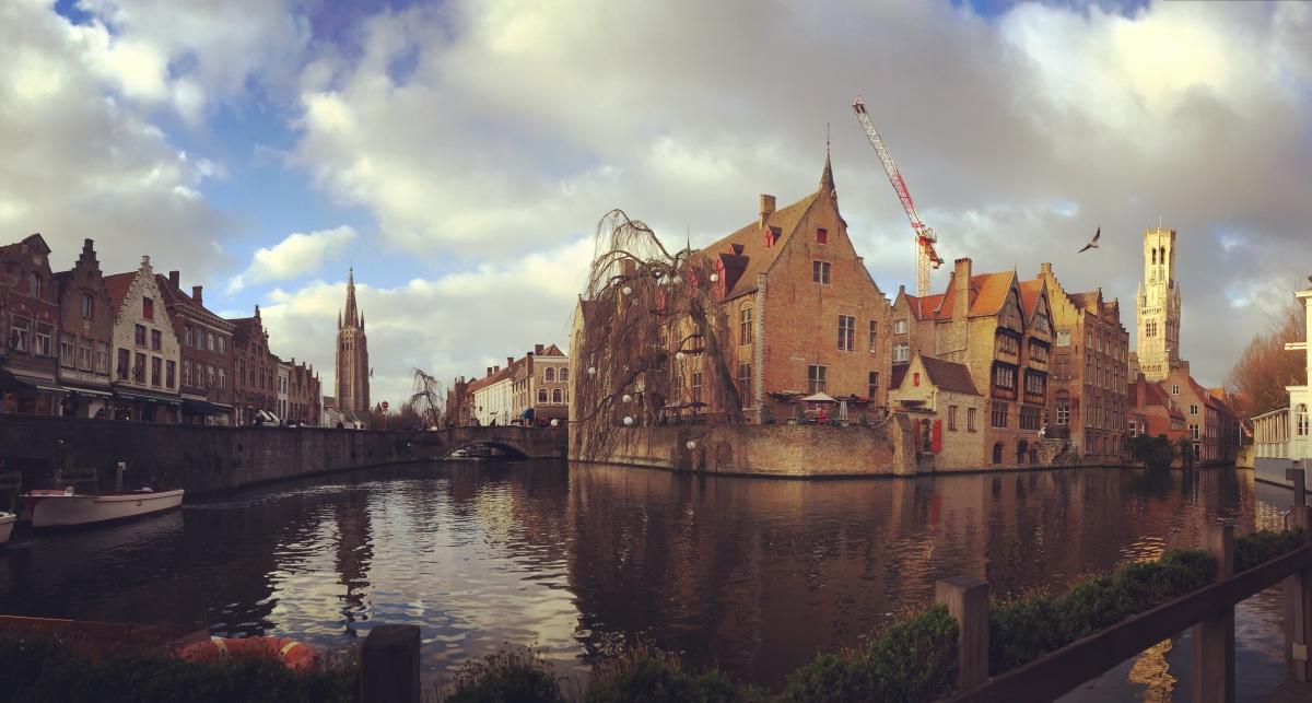 Brugge: la bomboniera delle Fiandre che vi rapirà con il suo incanto fiabesco e vi farà entrare in pieno mood Natalizio